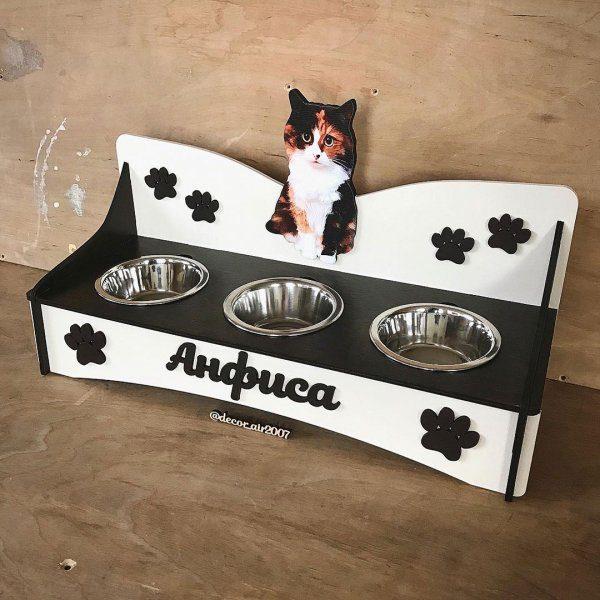 кормушка для кошки с именем и фото из дерева с мисками на подставке для кошек купить