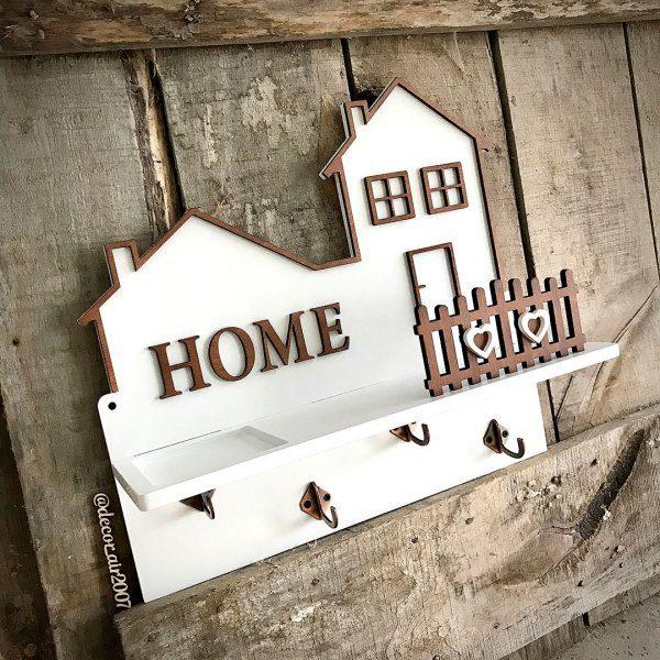 ключница белая настенная с полкой фамилией и крючками для ключей с надписью home купить недорого