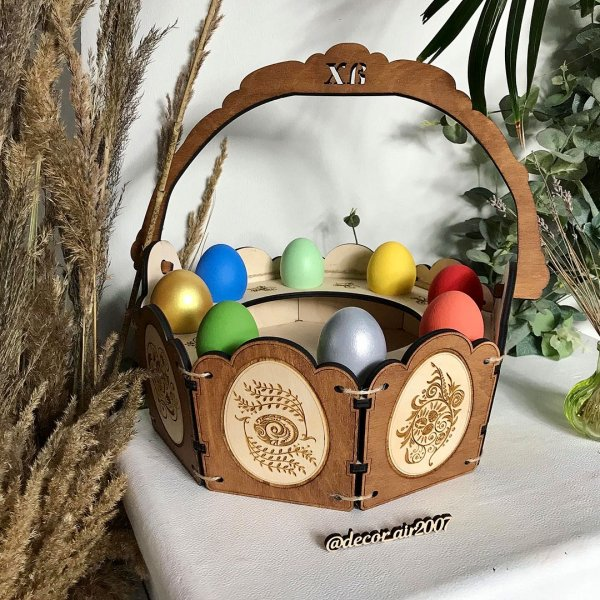 пасхальное лукошко для яиц и кулича из дерева с гравировкой